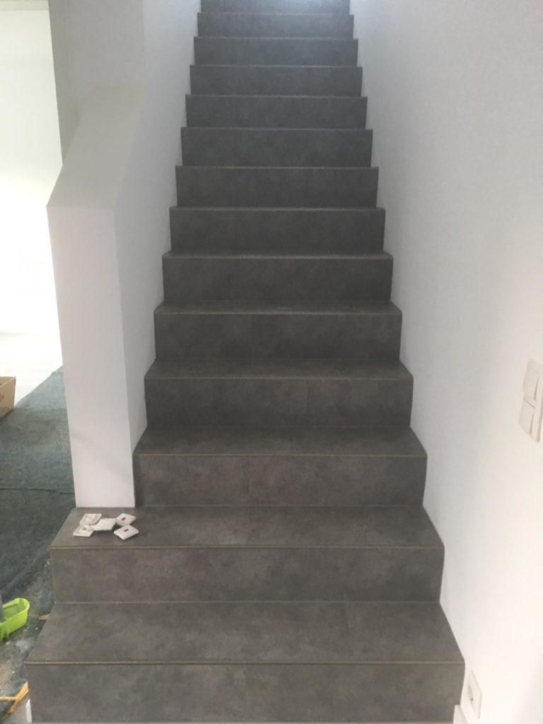 treppe mit designbelag verlegen